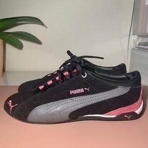 Puma Repli Cat Low Size 7.5/ euro 38 black & pink